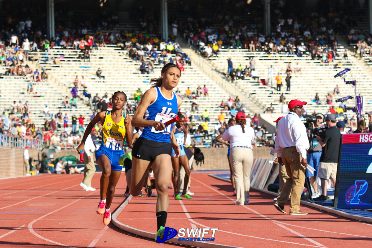 Sydney McLaughlin running anchor leg in the HS Girls 4x400m relay